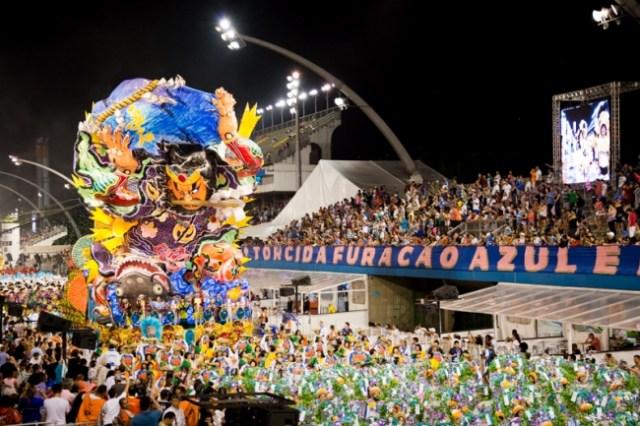 ブラジルのカーニバルに巨大ねぷたが登場! 震災後の手厚い支援に感謝の気持ちを込めてパフォーマンス