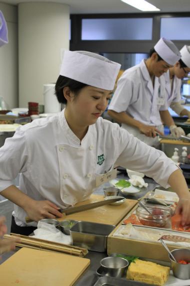 年末にはあなたも寿司職人!? 「東京すしアカデミー」が平日夜間の新コーススタート