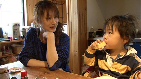 放射能を体から出す施設「保養」? 福島とチェルノブイリの日常…ドキュメンタリー映画『小さき声のカノン』が発信【最新シネマ批評】