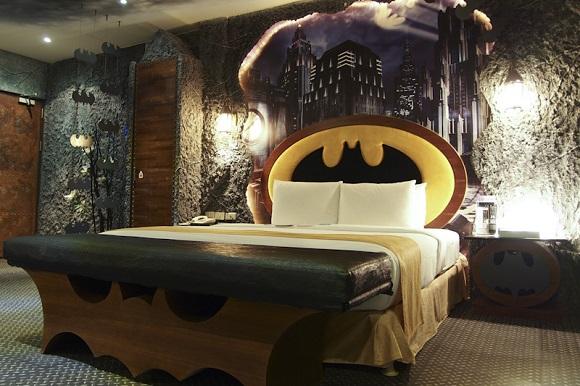 台湾のホテルにあるバットマンをイメージしたお部屋の完成度が高すぎると話題に!