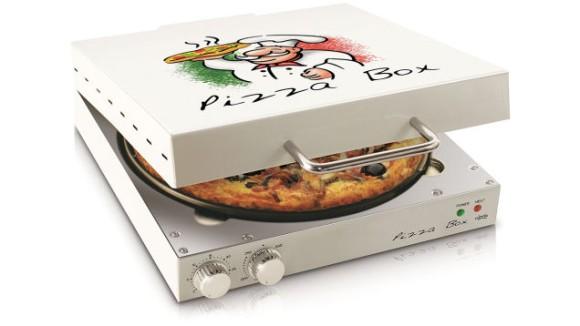 ピザが入った箱…と思いきや実はオーブン!! デザイン家電のような見た目の「ピザ専用オーブン」が可愛くて優秀なんだって!