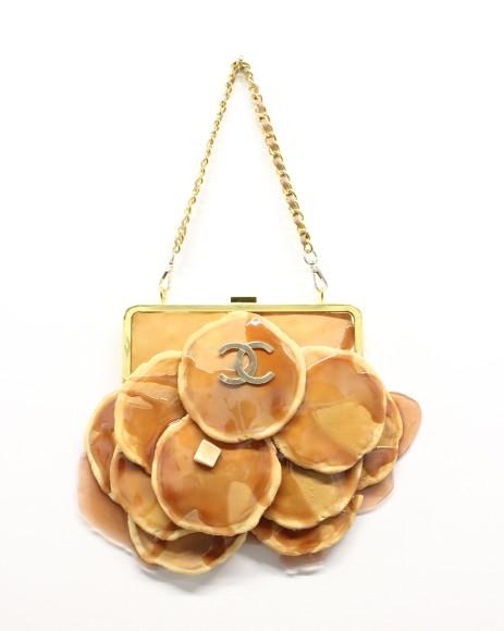 か、かわいすぎる~っ!! シャネルなど高級ブランドのロゴが付いたパンケーキやワッフルのバッグ