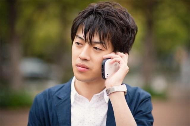 """長電話を終わらせるときなんて言う? みんなが使う """"魔法の一言"""" が明らかに!!"""