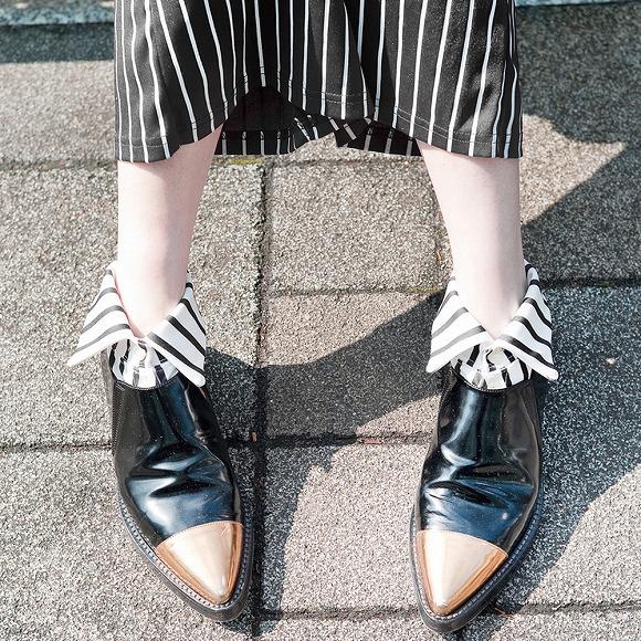 「エリマキ ソックス」のストライプ柄ハイソックスがステキ! オシャレかわいくなれそうなシャツ型靴下です♪