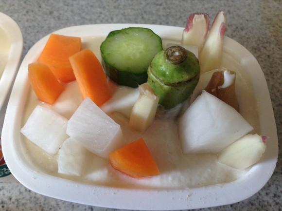 【これぞ万能調味料】『塩ヨーグルト』に野菜を漬けてみた結果…ぬか漬けライクな美味お漬物に! 夏のおつまみはこれで完璧だ!!