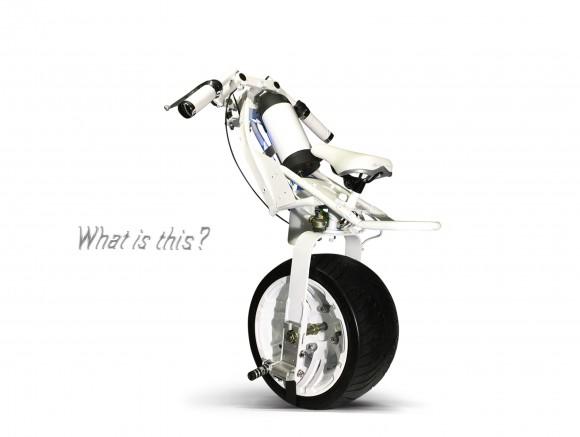 """【未来】SF&アニメちっくな「電動一輪バイク 」が登場ッ! 一見難しそうだけど """"自転車に乗れるレベル"""" なら誰でも運転可らしい"""