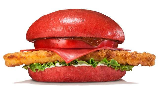 今年は「真っ赤」な仰天バーガー登場! バーガーキングの新商品パンチ効きすぎッ!