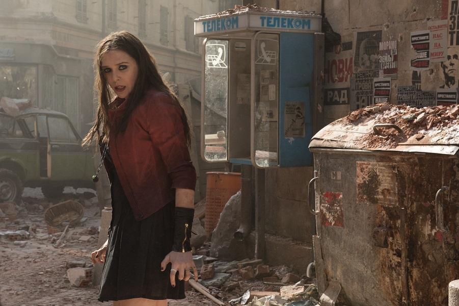 Marvel's Avengers: Age Of Ultron L to R: Scarlet Witch/Wanda Maximoff (Elizabeth Olsen) Ph: Jay Maidment ©Marvel 2015
