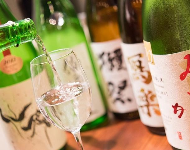 【特典あり】日本酒60種類をワイングラスで堪能♪ おしゃれでリーズナブルな「日本酒バル」が支援者募集中!