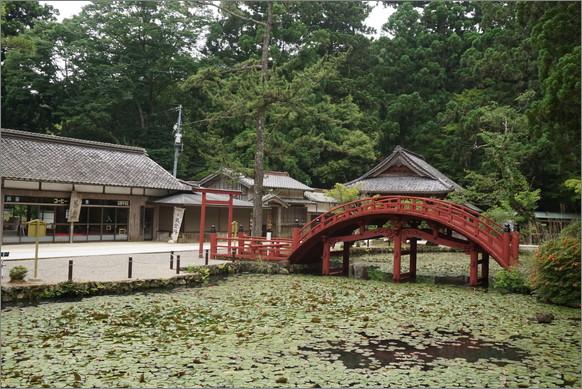 【本物のパワースポット】伊勢神宮に行くならココも忘れずに! 「伊勢神宮の鬼門を守るお寺」の美しさは異世界レベルです