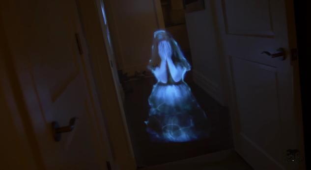 【クオリティー高すぎ】泣いている女の子の幽霊が寝室に…メカに強い彼氏が仕掛けた「ドッキリ映像」が怖すぎてチビる!