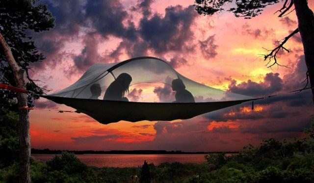 テントとハンモックのいいとこどり!! 空中に張る斬新なテント「TENTSILE」がめちゃめちゃ心地よさそう!