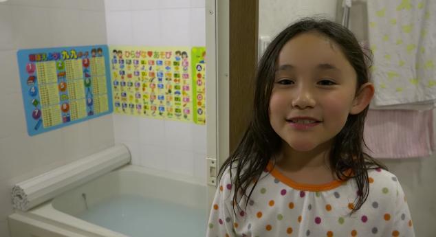 可愛くて目尻が下がる〜! 女の子が英語で説明する「日本のお風呂が優れている12の理由」が微笑ましい