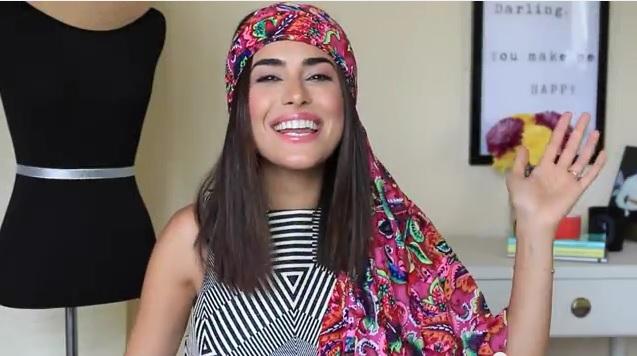 夏の旅行はコレさえあればOK!! 大判スカーフ1枚で4通りの着こなしをする方法