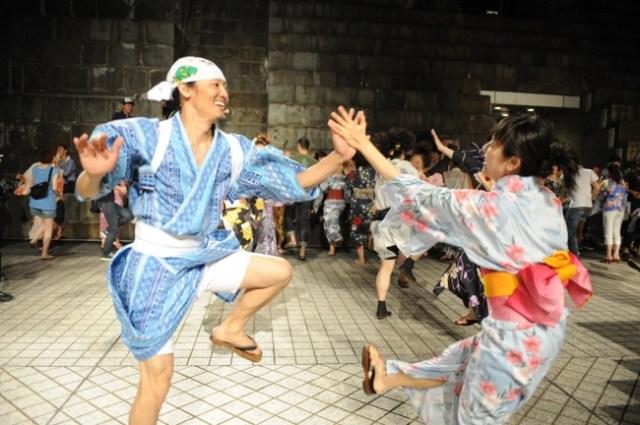 """盆踊りじゃなく """"盆ダンス"""" !? 横浜で謎の進化を遂げた「オリジナル盆ダンス」をコンドルズと一緒に踊ろう♪"""