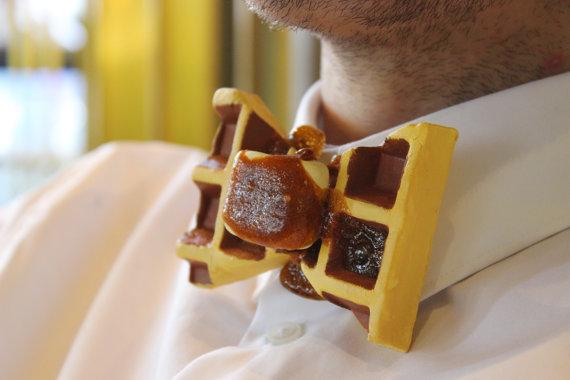 ワッフルにキャンディ、マシュマロ…つまみ食いしたくなる!? と~ってもおいしそうなスイーツモチーフの蝶ネクタイ