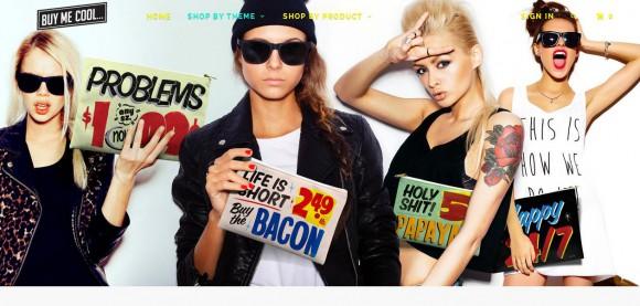 意味はさておき……食料雑貨店に並ぶポップをイメージしたポーチ&クラッチバッグがオシャレ可愛いっ☆
