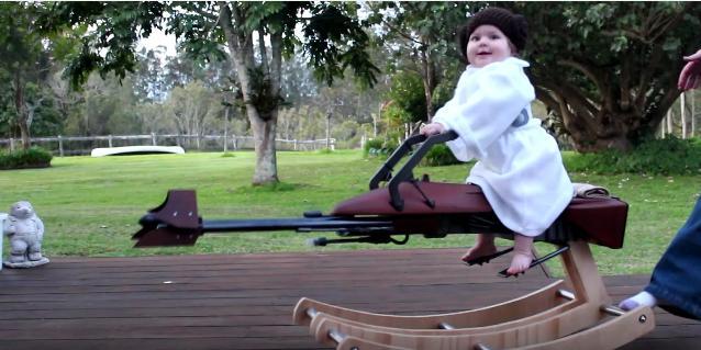 パイロットは1歳の女の子!? パパが作った映画「スター・ウォーズ」スピーダー・バイクのクオリティーがものすごい!!