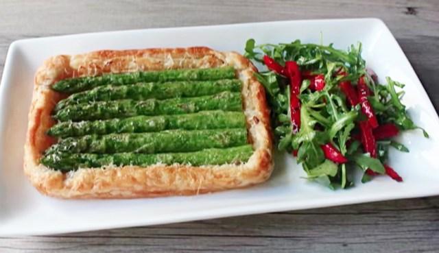 【秋に美味しいレシピ】シンプルなのにゴージャス感たっぷり! 「丸ごとアスパラガスのタルト」を作ってみよう♪