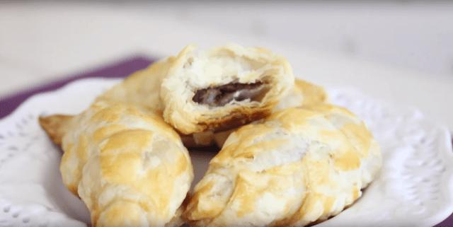 【簡単レシピ】材料3つ! ヌテラと卵、パイシートで出来る「チョコクロワッサン」はいかが?