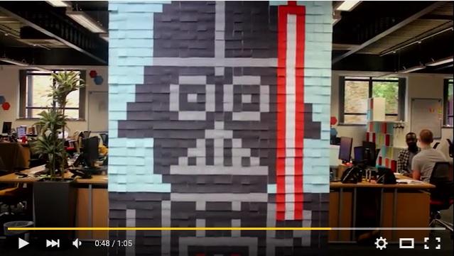 こんな使い道があったなんて!! ポストイット3600枚を貼って作ったスター・ウォーズのウォールアートがスゴい!