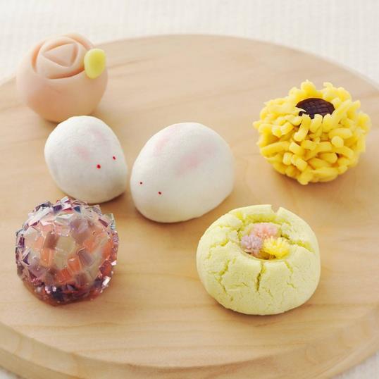 ほっこりかわいい和菓子を手作りしよう! 予約がとれない和菓子女子ユニットの週末教室&レシピ本がジワジワ人気です♪