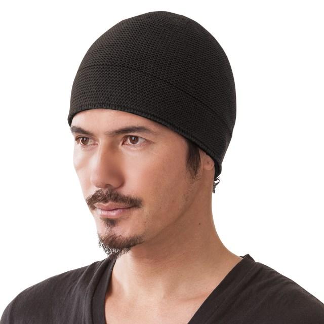ニット帽をかぶったら…キリッと男前に変身しちゃった!? 着用ビフォーアフター写真にも心奪われます♪