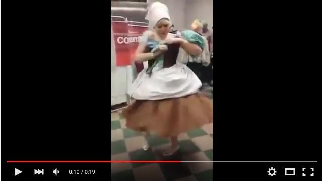 これこそが魔法っ!! 「シンデレラ」が地味服からゴージャスドレスへと20秒で早変わりする実写ムービー