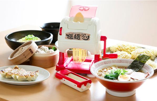 これがおもちゃなの!? ラーメンを麺から作るクッキングトイ「おうちでラーメン屋」がスゴすぎる☆ / 初回分は「東池袋大勝軒」直伝スープレシピつき