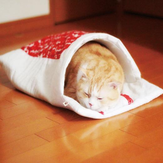 おやすみなさいニャン♪ フェリシモの「猫のお布団」が究極にかわいくてこんなのデレデレしちゃうに決まってる!