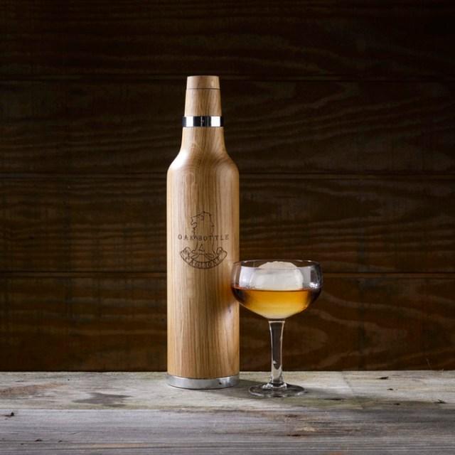 """たったの2時間で """"熟成した味わい"""" に! ウィスキーやワインを年代物に変えてしまう「魔法のボトル」を見つけたよ☆"""