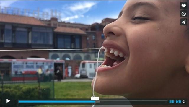 こんな使い方あるんかいっ!! ドローンを飛ばして乳歯を引っこ抜いた少年の動画