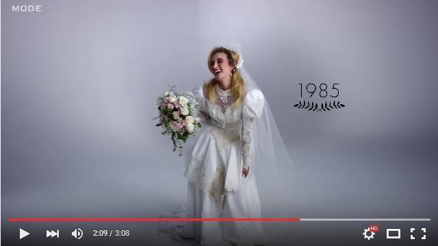 80年代は超ファンキー! その時代の流行ファッションもよくわかる「ウェディングドレスの歴史100年」ムービー