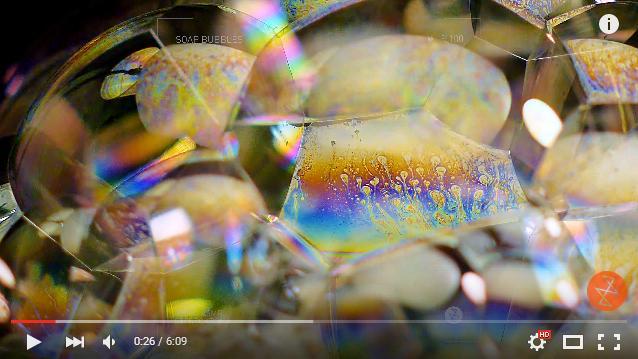 【気持ちいい】ストローでブクブクさせたシャボン玉をクローズアップ撮影した「ASMR」作品が幻想的! 宇宙みたいな静けさを感じてみて