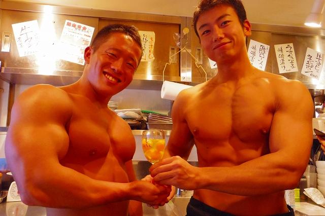 焼肉とはトレーニングだっ! 上質なマッチョ男子が上質な肉を焼いてくれる「マチョ肉屋」に行ってきた【初日レポ】