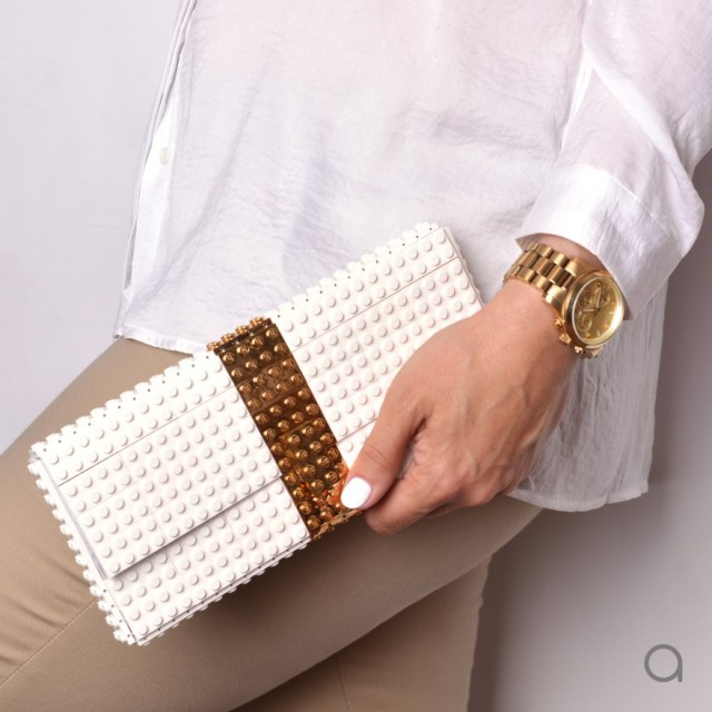 【マジで!?】高級感あふれるバッグ&アクセサリーの正体は…なんとLEGOブロック! 本物のゴールドをパーツに使用した商品もあるよ