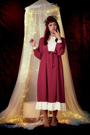 いかにもなサンタ衣装はちょっと…な乙女にピッタリ☆ 「サンタクロースのナイティドレス」がオトナな雰囲気で素敵!