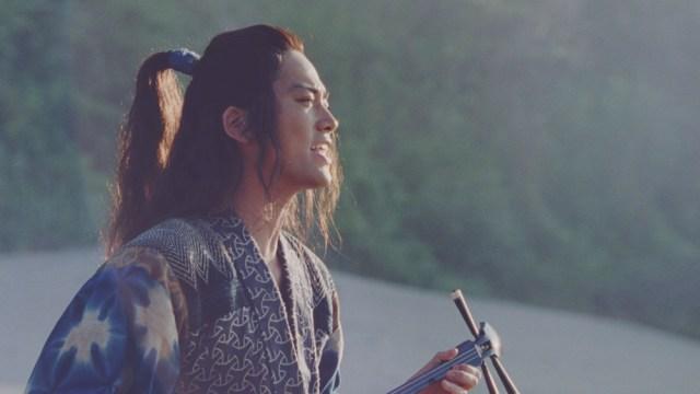 「au三太郎シリーズ」浦ちゃんが歌う『海の声』が一斉配信スタート! FNS歌謡祭にも出演するってよ!!