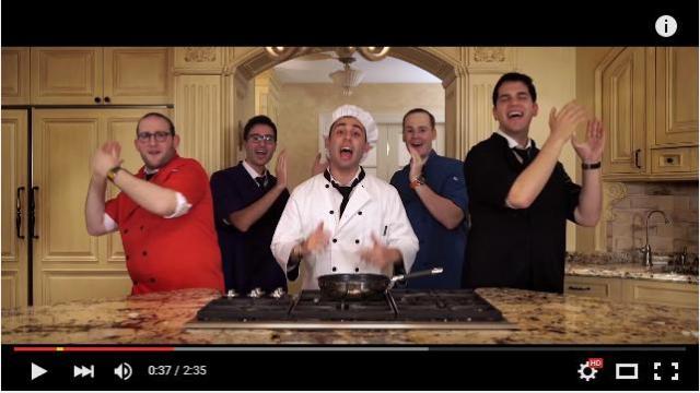 【美声】ユダヤ教のお祭りで食べる伝統料理「ラトケス」のレシピをご機嫌なアカペラミュージックに乗せてご紹介♪