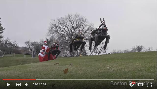 全力で「来るなーーー!!」と叫びたい……トナカイに仮装した4本脚ロボットの動きが不気味すぎる!!