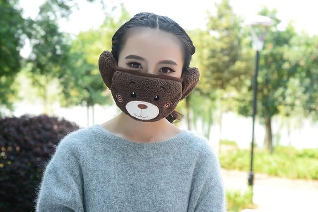 顔半分をクマちゃんが守ってくれる! ふわふわモコモコの「超絶ファンシーマスク」を見つけたよ!!