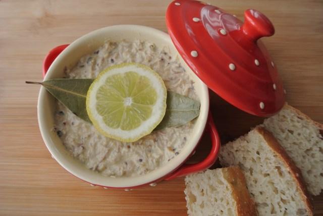 サバの水煮缶があればOK! たったの5分でフランスの定番おつまみ「パテ」が作れちゃうよ!!