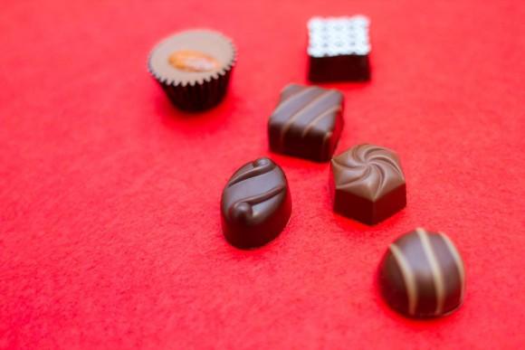 """【役に立つ知識】「明治」が教えてくれる """"チョコレート雑学"""" がとってもためになるぅ〜! 「チョコを食べても太らない?」「集中力が上がるって本当?」など"""