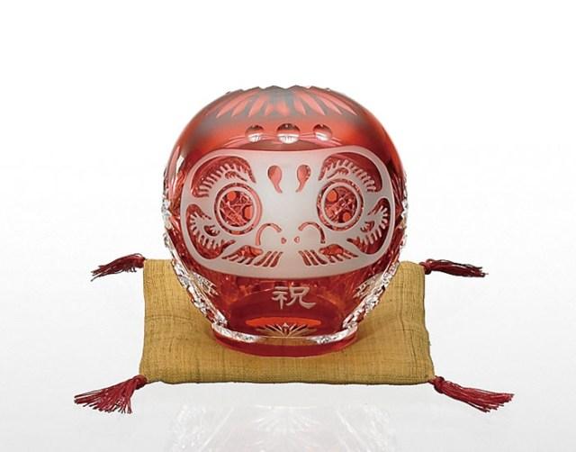 こりゃあ縁起が良さそうだ! クリスタルガラスでキラキラ「江戸切子 祝ダルマ」が美しい…でもちょびっと高級品!