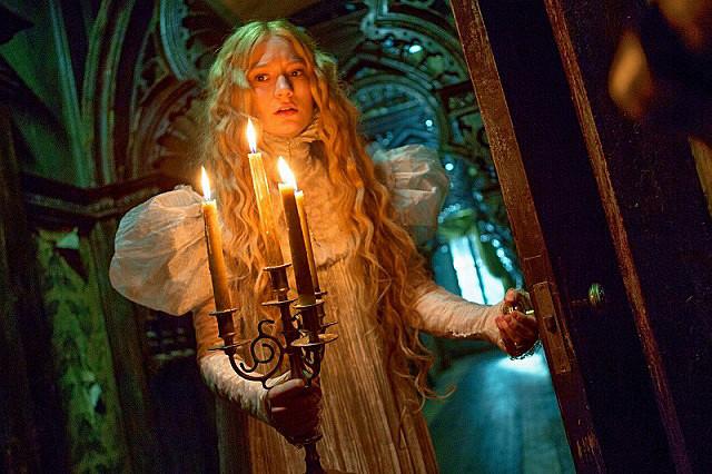 """ホーンテッドマンションみたい…! 美しく恐ろしいゴシック屋敷の秘密に迫る """"体験型"""" ホラー『クリムゾン・ピーク』"""