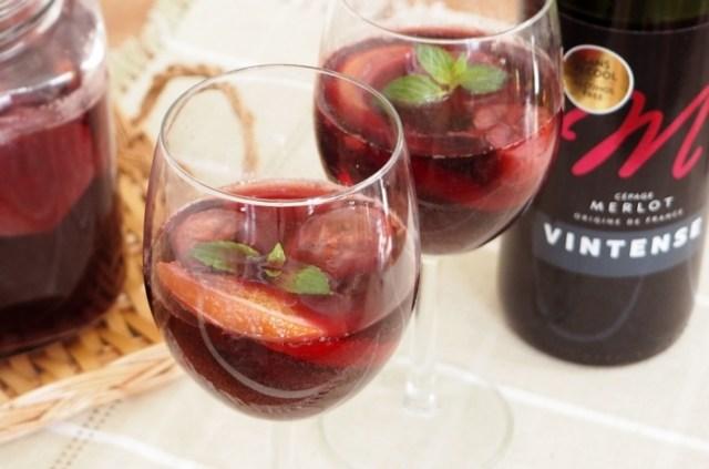 1位は定番の「サングリア」! 男子諸君覚えておきたまえ、女子の好きなワインカクテルはこれだ☆