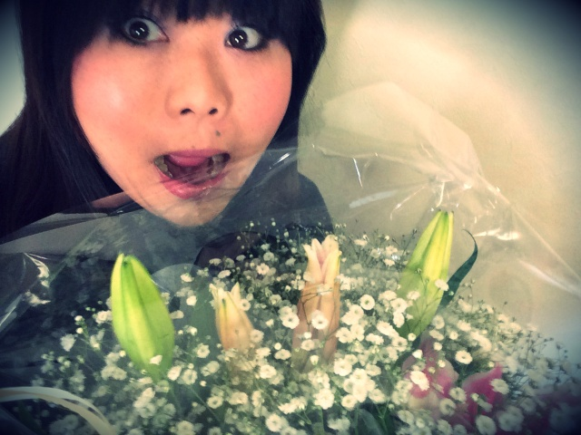 【彼氏できるかな?】自分史上最高にデカい花束をもらった件 / インパクトがありすぎると逆に微笑ましいことが判明!