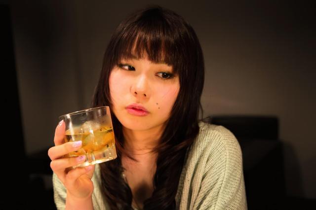 酒が飲める飲めるぞぉ~! のんべえたちに聞いた「人を誘って飲みたいテーマ」ランキングを発表します☆