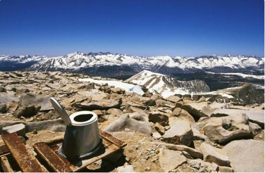"""【絶景すぎる】ここで用を足したらきっと人生最高の爽快感!! 世界で見つけた """"眺めの良すぎる"""" トイレたち"""