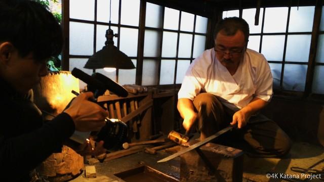 美しい映像にみとれてしまう! 日本刀ができ上がるまで2年近く密着したドキュメンタリー映像を体感しよう